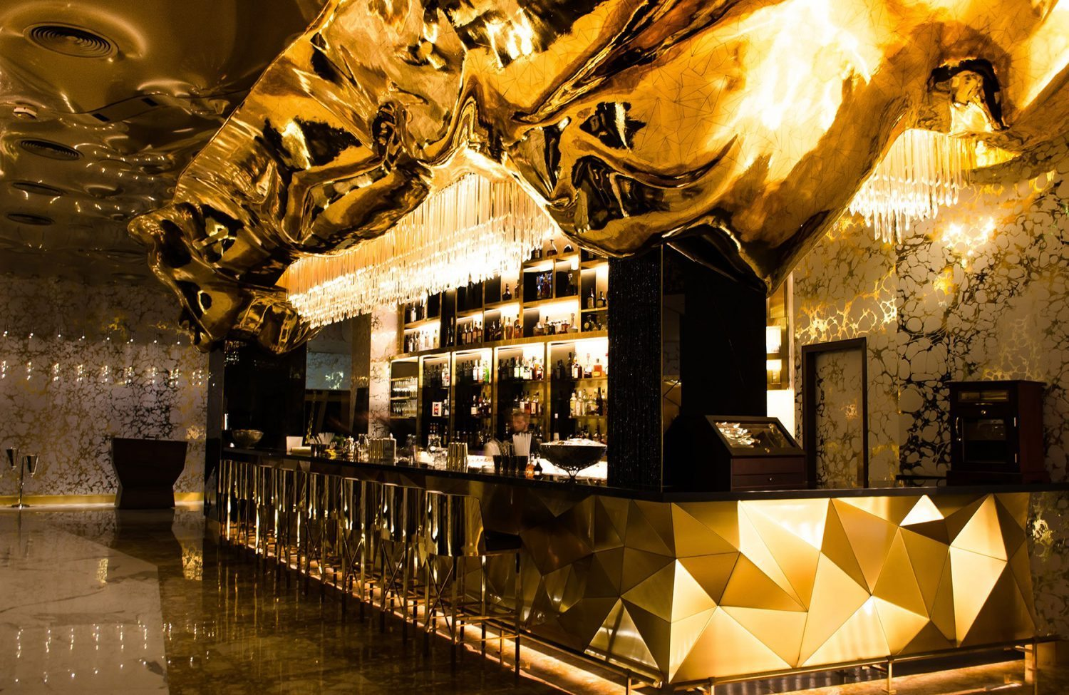 al arab gold in dubai burj inside the