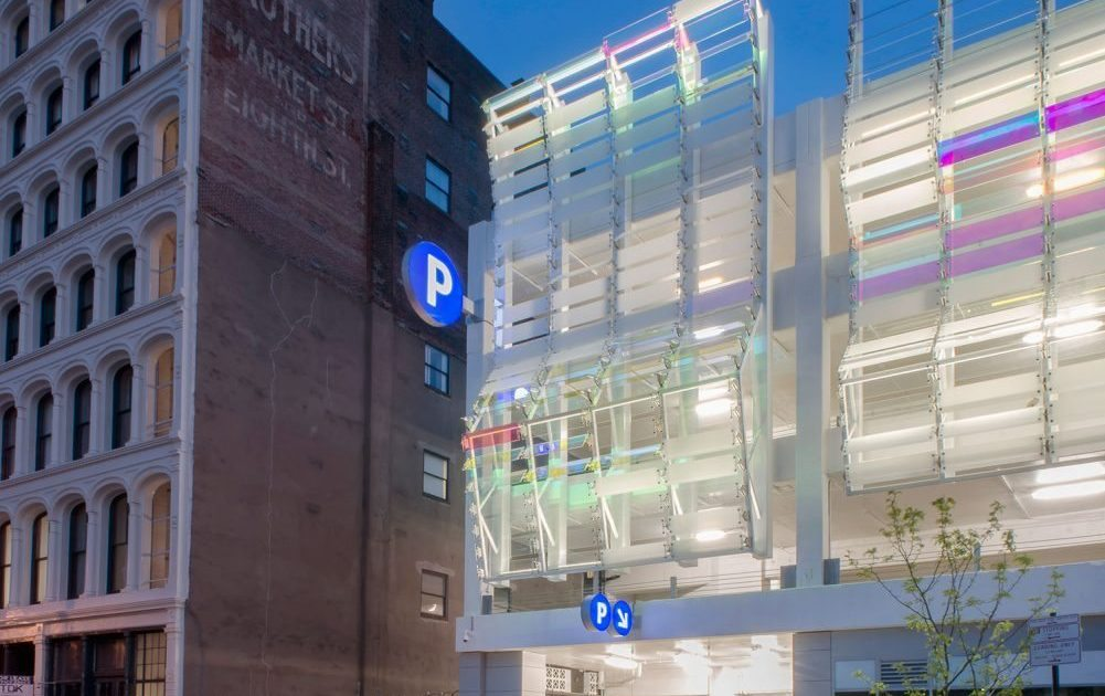 Parking Garage: 8th and Arch Street